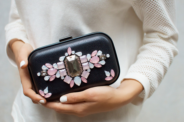 Make a jeweled clutch www.apairandasparediy.com