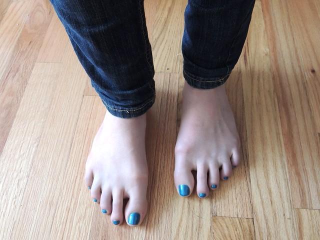 Nails of the week - Revlond Parfumerie Ginger Melon & Rimmel Marine Blue