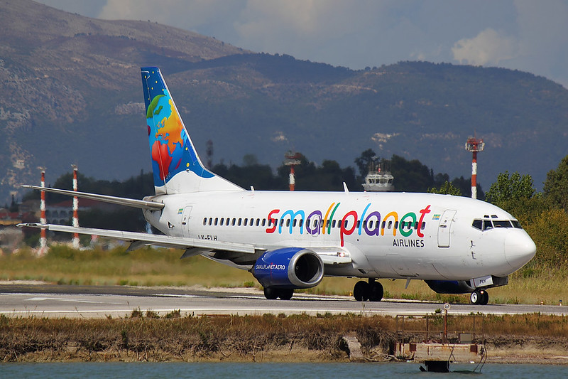 Small Planet Airlines - B733 - LY-FLH (1)