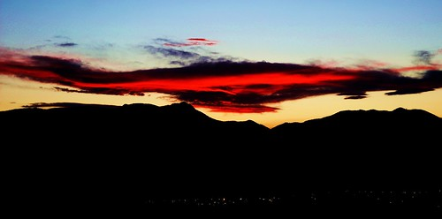 sunset sky orange sun sunlight mountains clouds canon rockies eos rebel colorado glow sigma coloradosprings rockymountains frontrange t3i endofday