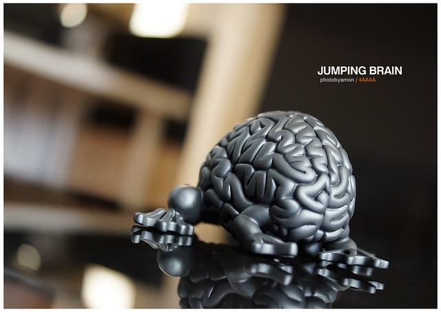 Jumping Brain / Black