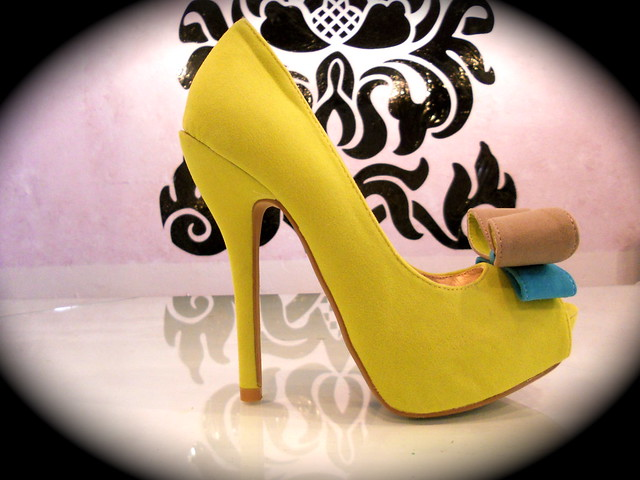 lime and bow heel