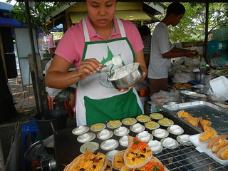 Grilled treats at Taling Chan floating market