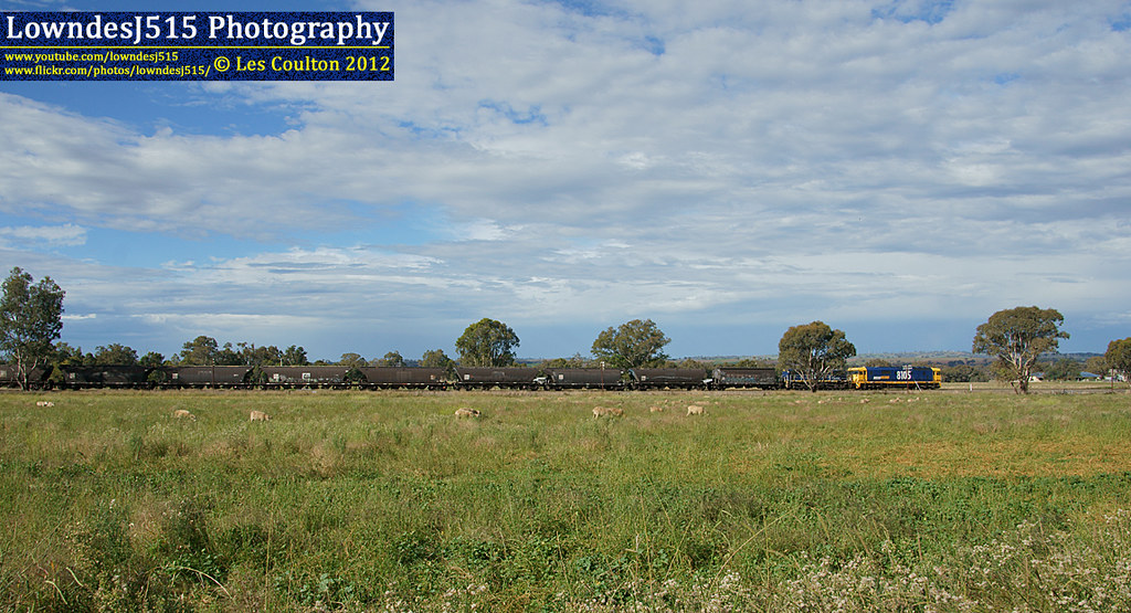 8105 & 4892 at Cootmundra West by LowndesJ515