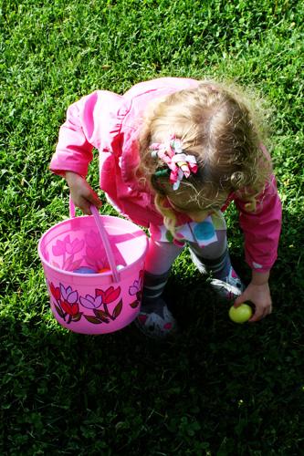 Autumn-getting-egg
