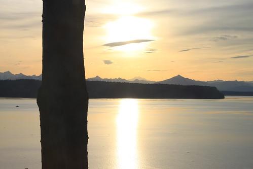 sky sun mountain mountains water sunshine yellow sunrise canon easter 50mm sunday whidbeyisland pugetsound washingtonstate cascade cascademountains camanoisland saratogapassage salishsea islandcounty t1i
