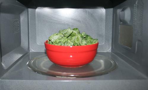 09 - Spinat auftauen / Defrost spinach