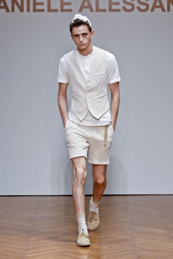 SS13 Milan Daniele Alessandrini003_Alex Dunstan(fashionising.com)