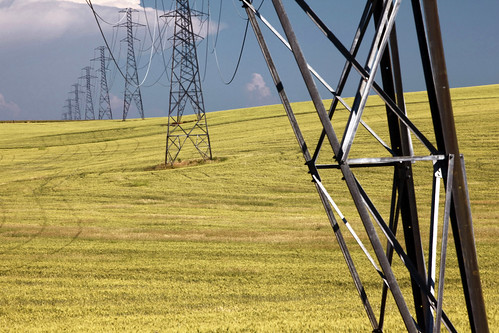 ian sane images powerfully fortified grain cereal wheat field power lines towers pylons electricity electrical geer salem oregon state street farm land agriculture landscape photography rural