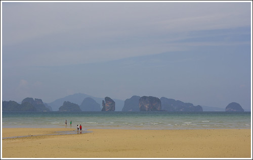 Kids exploring the east coast of Koh Yao Noi island