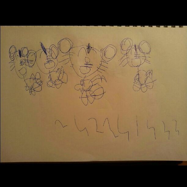 20120802 蕎安颱風天的畫 巧虎一家人。