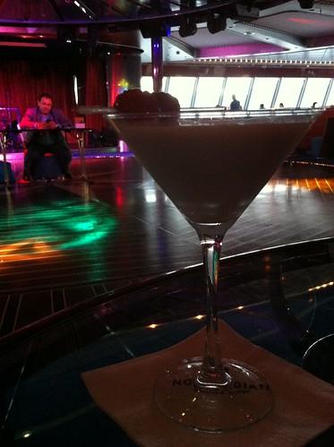 Norwegian Pearl - Rum Cake Martini and Host for Majority Rules