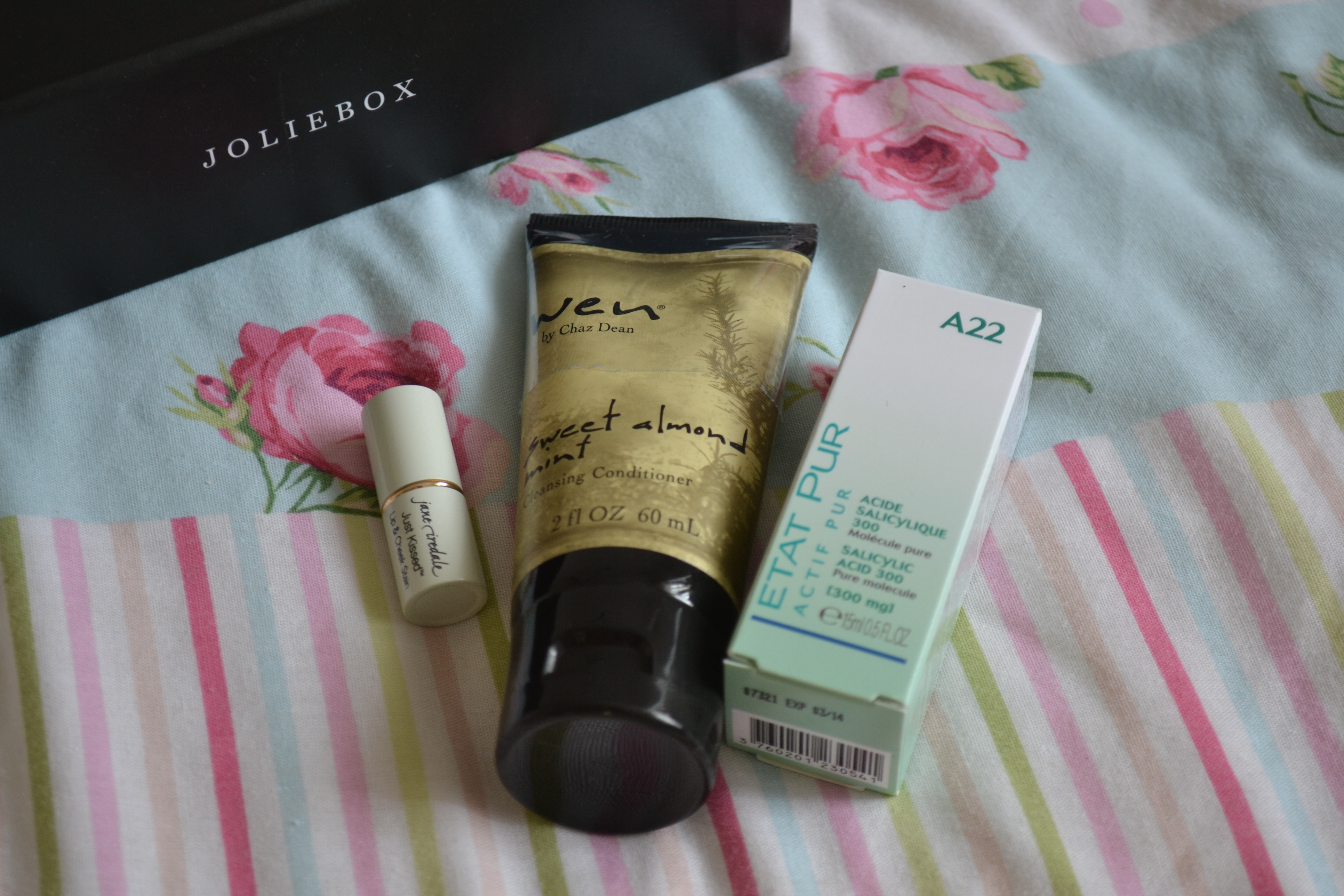 daisybutter - UK Style and Fashion Blog: pampering, beauty boxes, joliebox