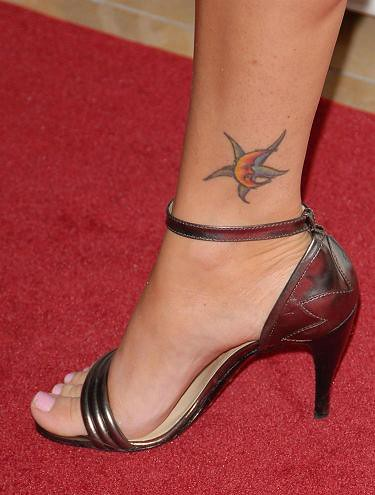 megan fox tattoo on leg