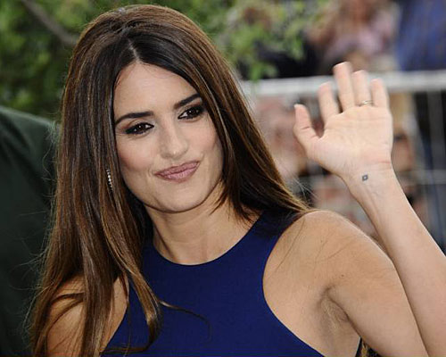 penelope cruz tattoos