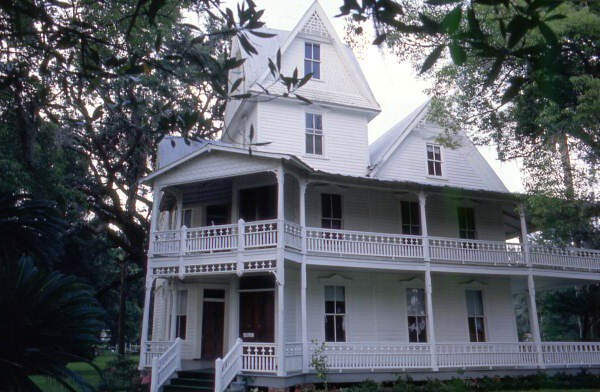 May-Stringer House at 601 Museum Court: Brooksville ...