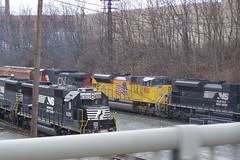 UP SD70ACe 8761 & NS SD40E 6301