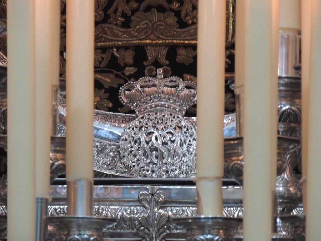 Media luna para la Virgen de los Dolores de Huelva
