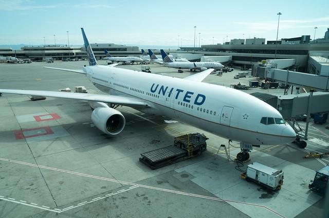 UA885, San Francisco International Airport