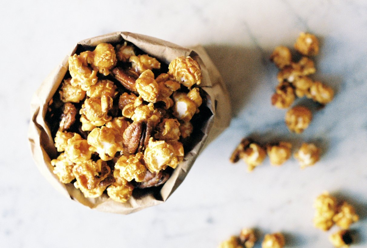 Smoky Honey Caramel Corn with Pecans