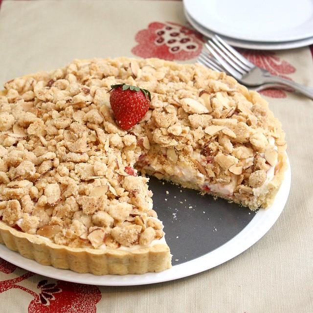 Strawberry Cream Cheese Crumble Tart | Flickr - Photo Sharing!