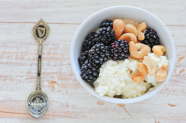 10. cottage cheese with blackberries & cashews