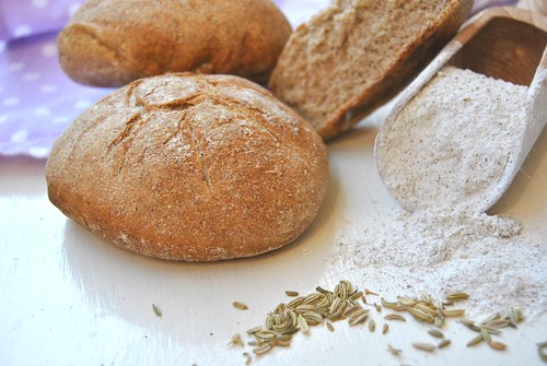 Rye flour bread rolls with fennel seeds