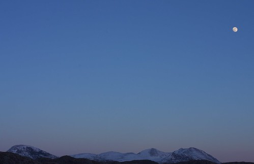 Moonrise over An Teallach by jimlaide