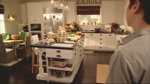 Jules-kitchen-empty-611x343