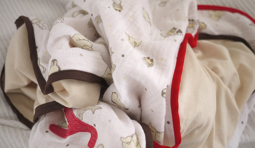 Muslin blanket pile