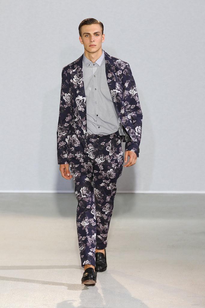 Antoine Des Beauvais3032_SS13 Paris Wooyoungmi(fashionising.com)