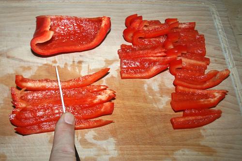17 - Paprika in Streifen schneiden / Slice bell pepper
