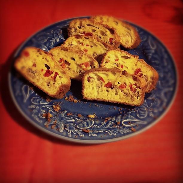 Pão com atum e pimento