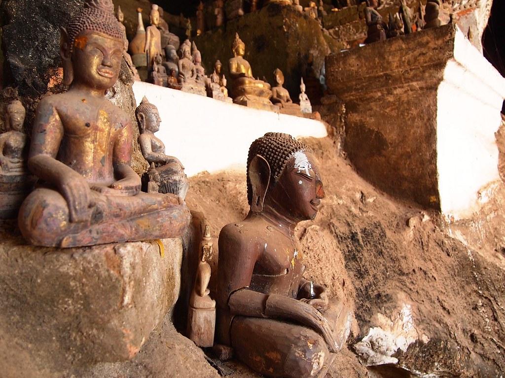 pak ou cave (laos)
