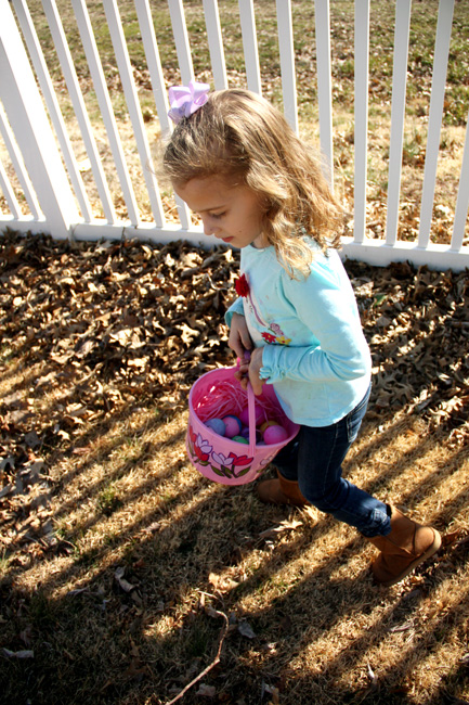 Egg-Hunt_Aut-looking-for-eggs