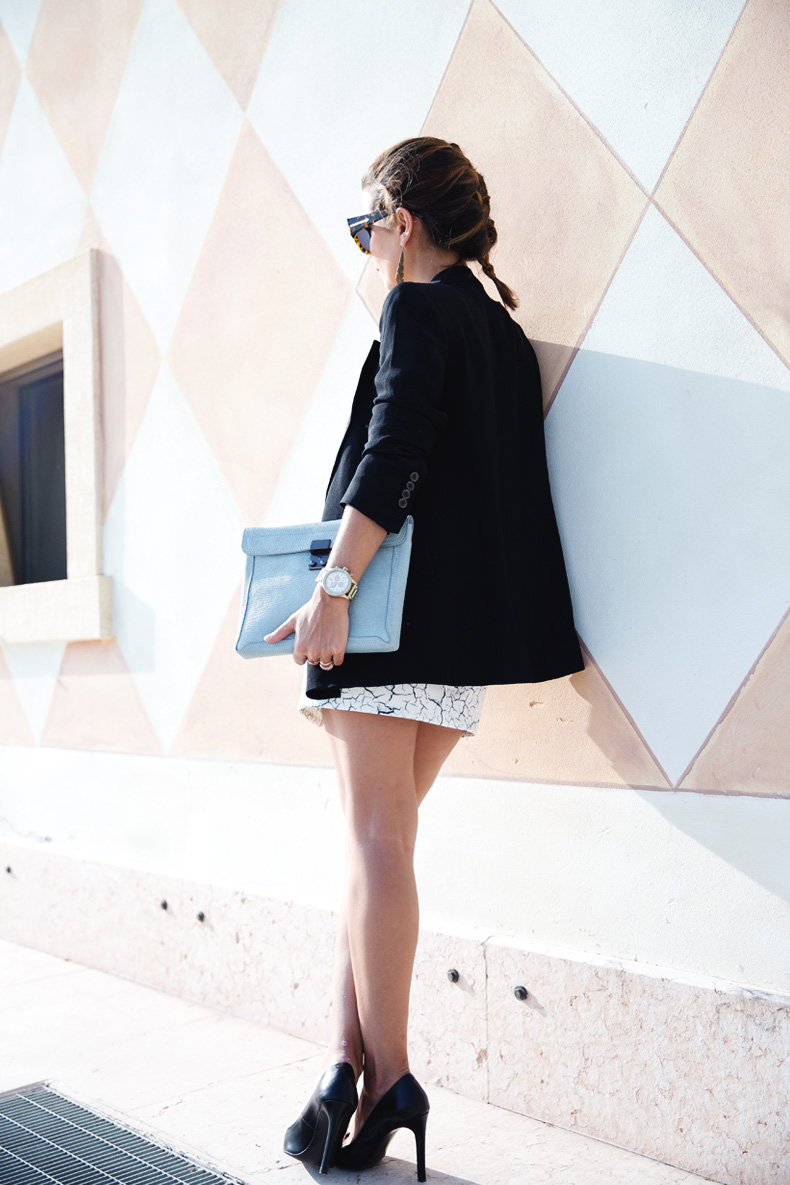 Cracked_Skirt-Girissima-Calzedonia_Show-Light_blue_Clutch-Phillip_Lim-Street_Style-Outfit-15