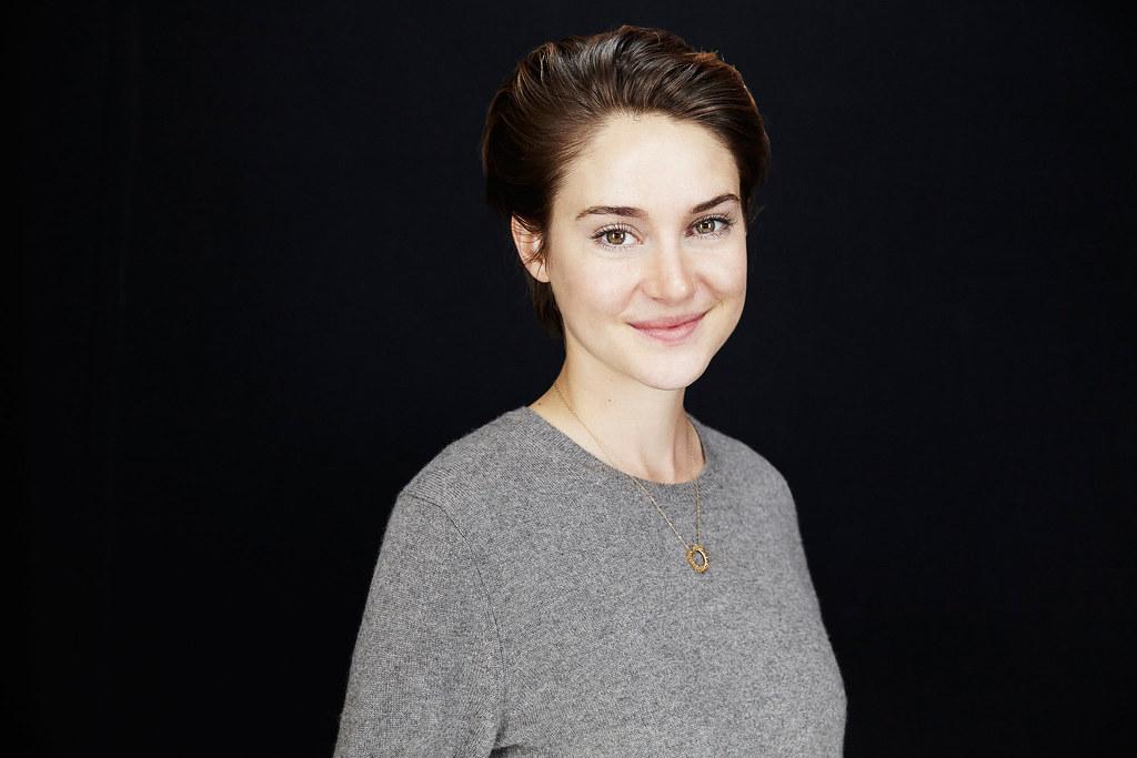 Шейлин Вудли — Фотосессия для «Белая птица в метели» на «Sundance» 2014 – 28