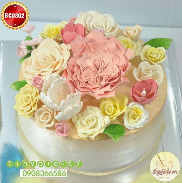 Gumpaste Flower Cake
