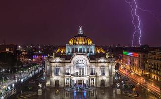 Thunder above the Palacio