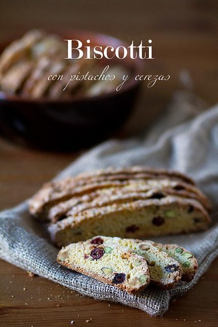 Biscotti con pistachos y cerezas