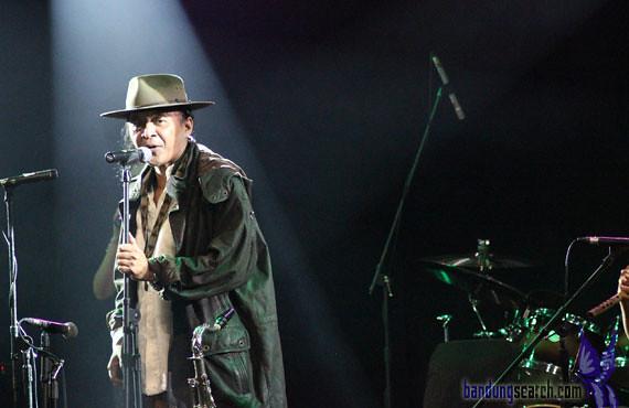 Java-Jazz-Festival-2012-Sujiwo-Tejo-(4)