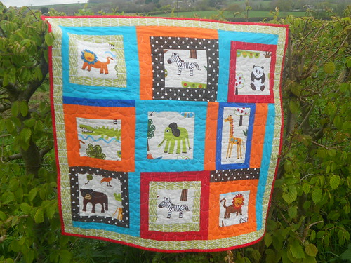 Finished baby quilt zoo