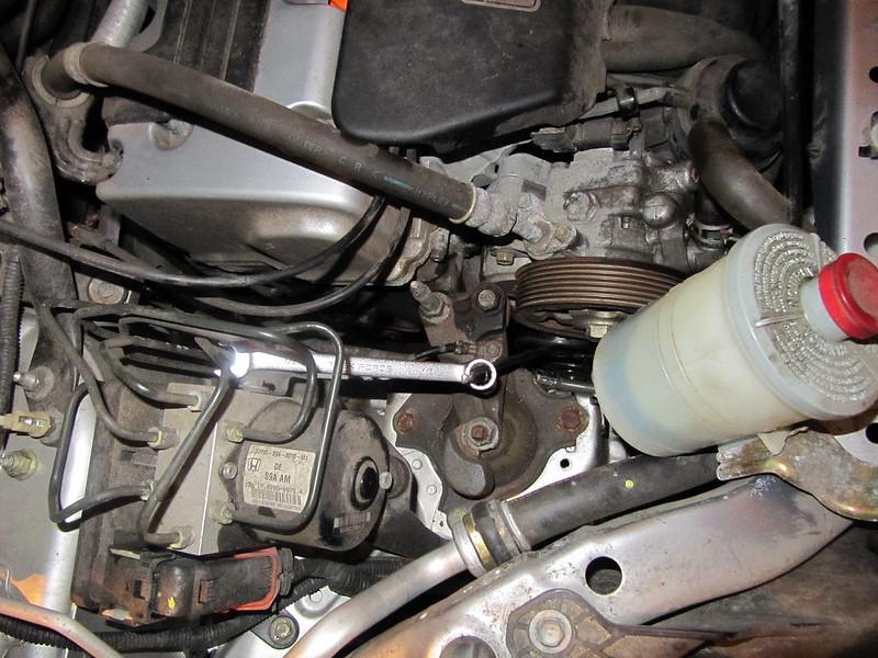 2004 CRV Serpentine belt photos