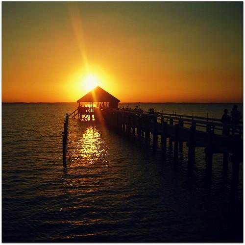 sunset relax happy duck nc silhouettes nostalgia memory dockside hcs curritucksound sunsetgrille flipmode79