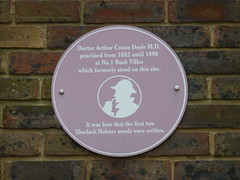 Photo of Arthur Conan Doyle brown plaque