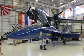 Lockheed P2V-7 Neptune & McDonnell Douglas F/A-18 Hornet