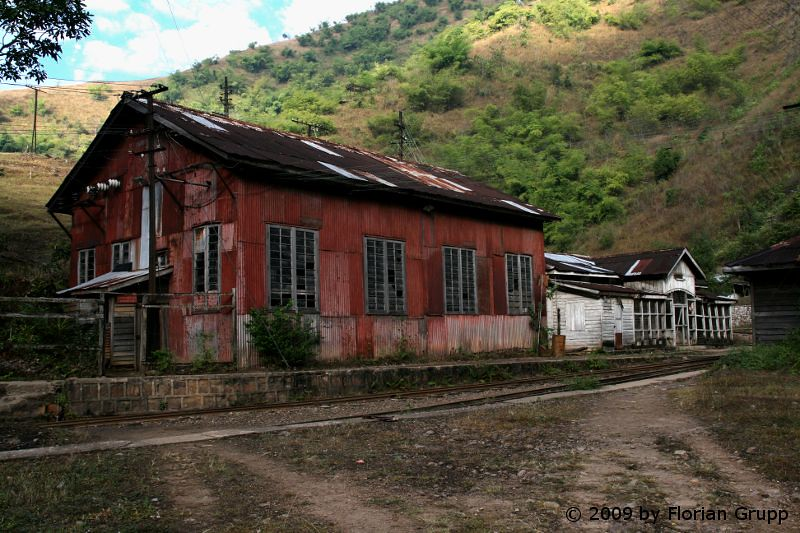 http://farm8.staticflickr.com/7265/7434480466_295d3bcc19_b.jpg