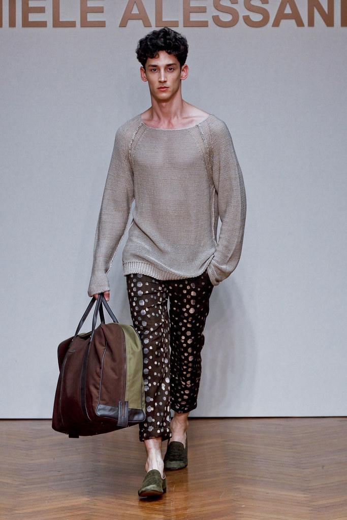 SS13 Milan Daniele Alessandrini027_Andrey Smidl(fashionising.com)