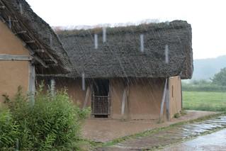 Rahseglertreffen Vorbereitungen - Platzregen (starker Schauer) in Haithabu - Museumsfreifläche Wikinger Museum Haithabu WHH 12-07-2012