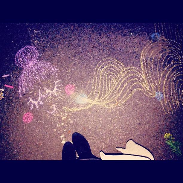 #superart #art #streetart #cutegraffiti #graffiti #liituilua #yötaide #nightynight #me #bunhead #pastels